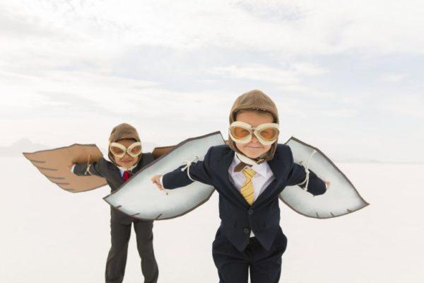 image-deux-personnes-avec-des-ailes
